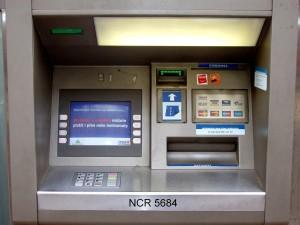 bancomat londra